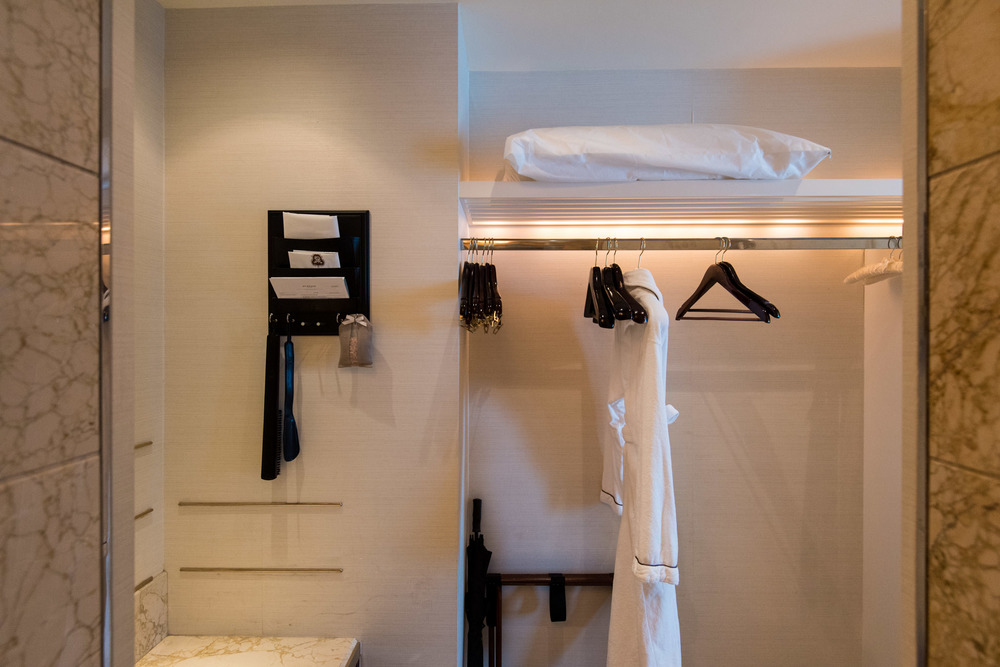 Walk-in Wardrobe Caroline Astor Suite - The St. Regis Singapore
