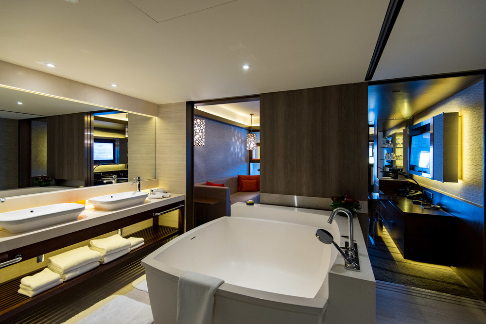 Bathroom Pacific Harbour Studio - Pan Pacific Singapore