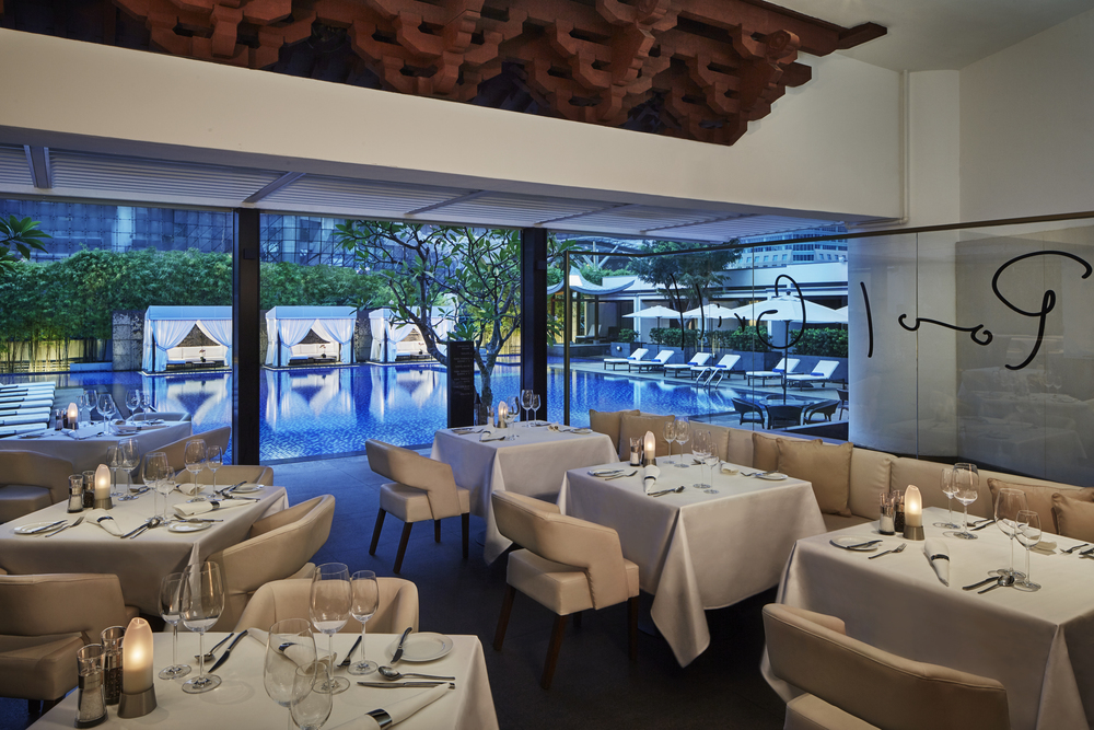Pool Grill | Photo Credit: Singapore Marriott Tang Plaza Hotel