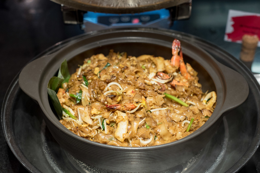 Fried Kway Teow Hawkerlicious Dinner Buffet - Flavours at Zhongshan Park (Ramada Singapore at Zhongshan Park)