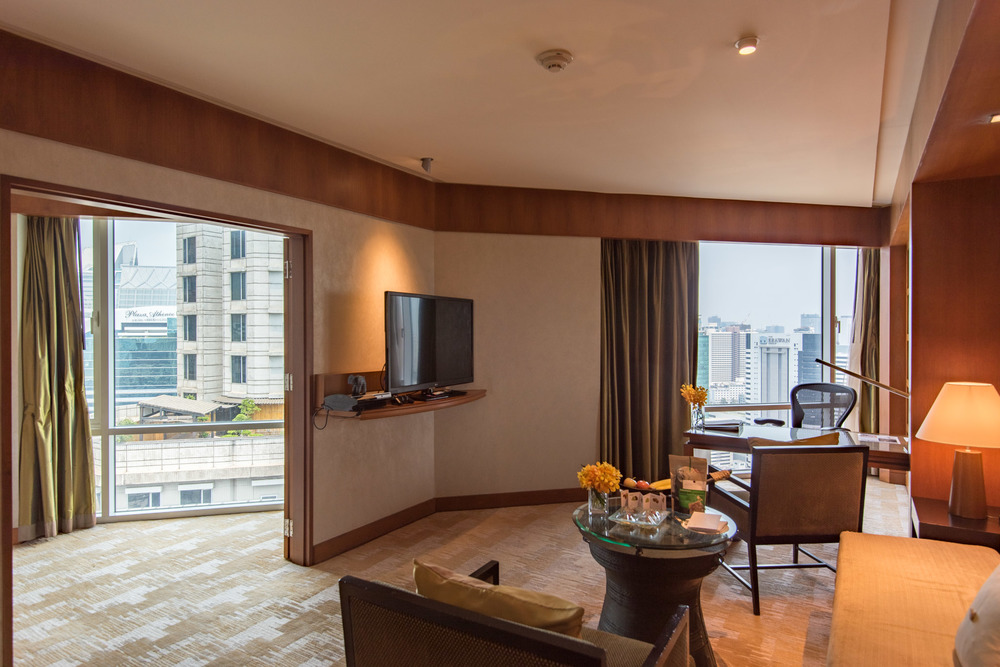Living Room Executive Suite - Conrad Bangkok