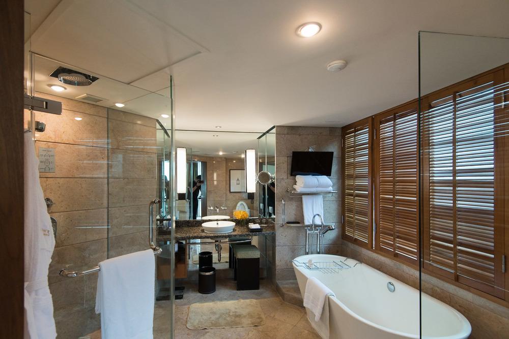 Bathroom Executive Suite - Conrad Bangkok