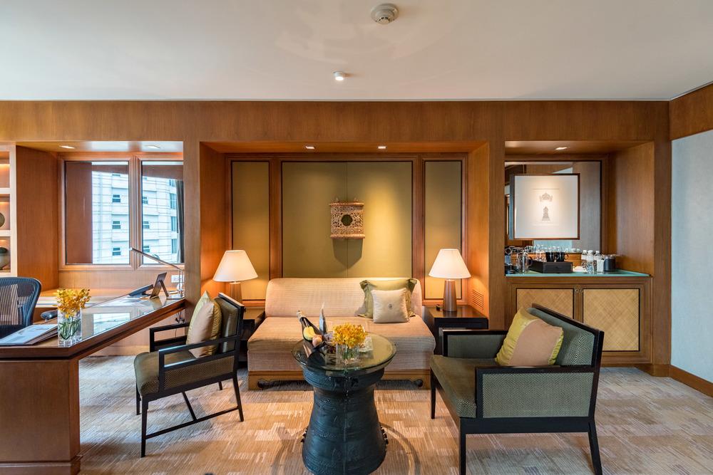 Living Room Executive Suite - Conrad Bangkok