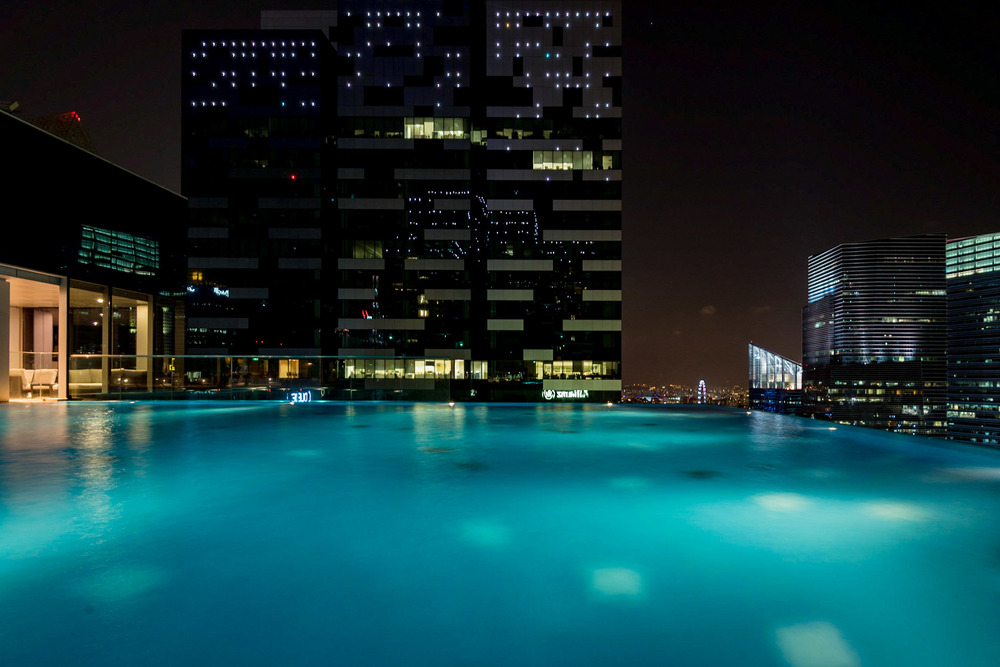 Outdoor Infinity Pool      The Westin Singapore