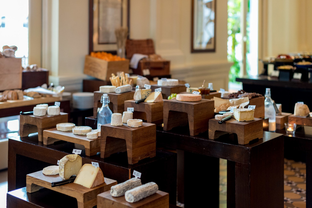 Cheese Station Bar & Billiard Room - Raffles Hotel Singapore
