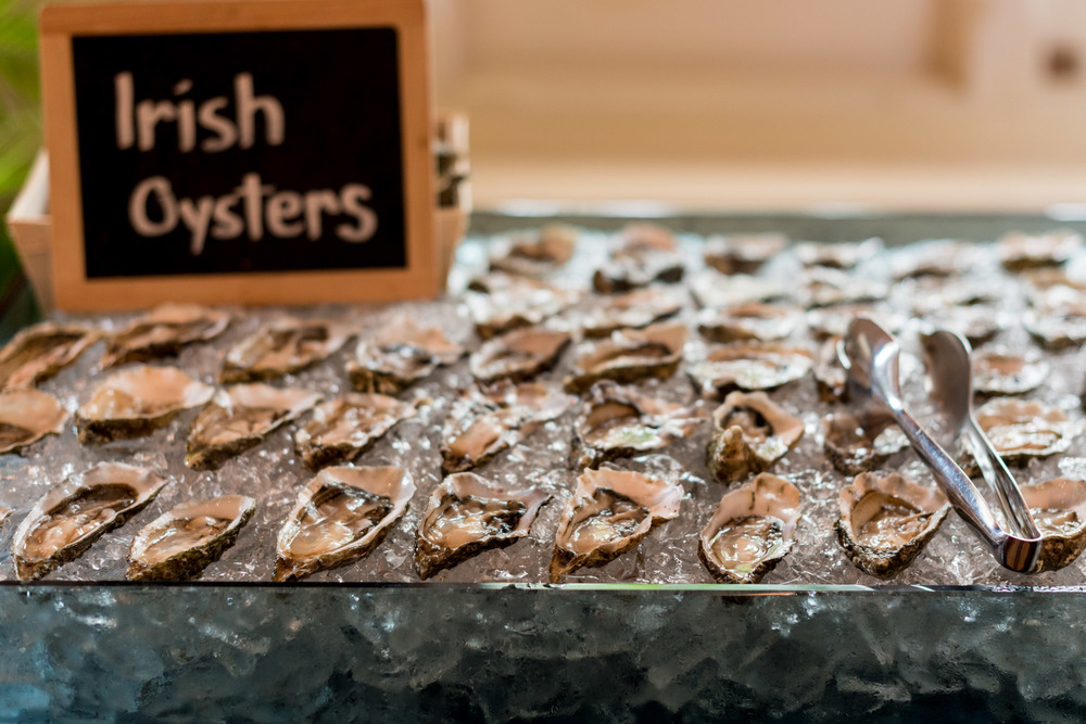 Fresh Oysters Bar & Billiard Room - Raffles Hotel Singapore