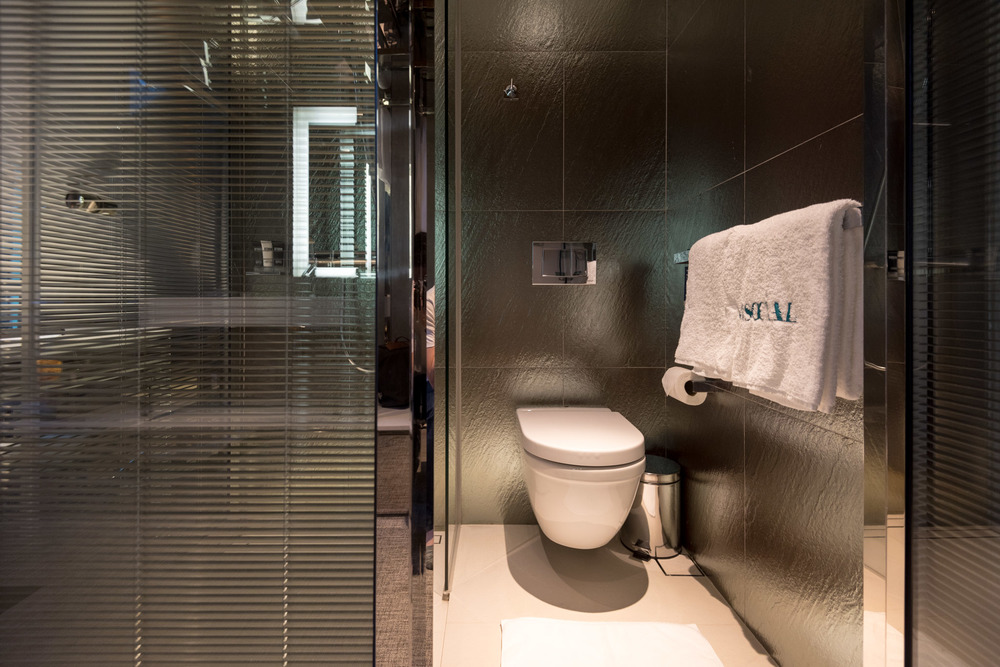 Hotel review m social singapore loft premier previously known as big room the shutterwhale Premiere bathroom design reviews