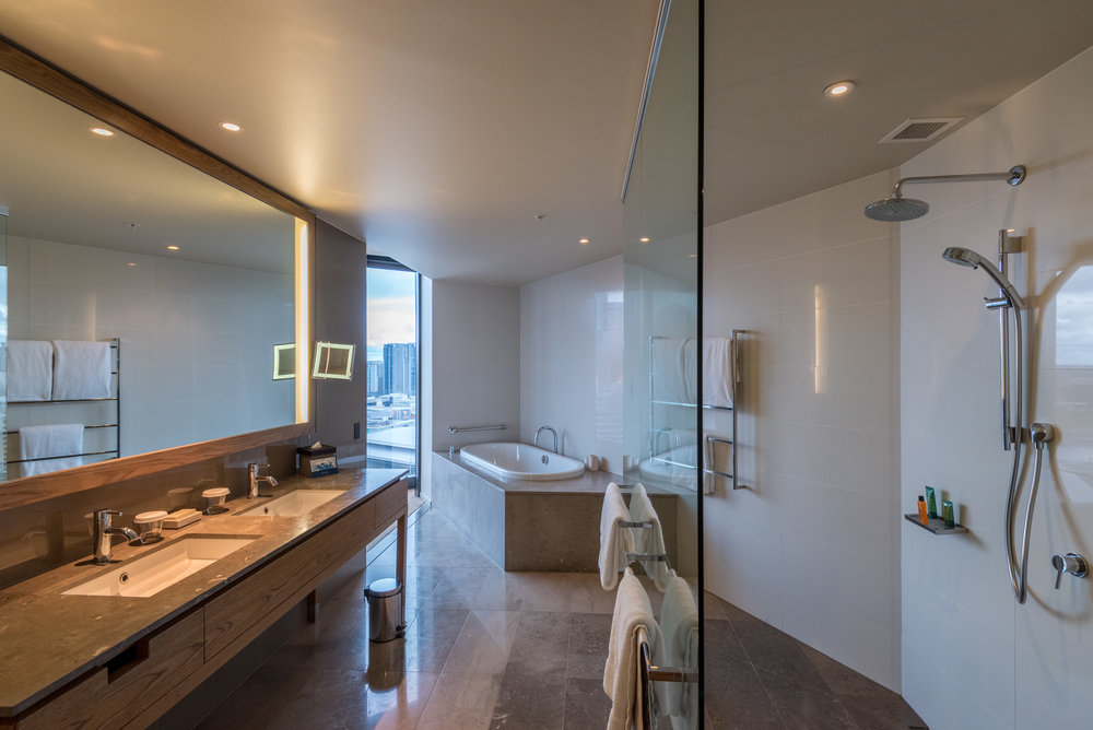 Bathroom Relaxation Suite - Hilton Melbourne South Wharf
