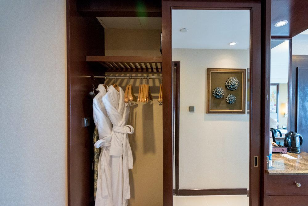 Wardrobe  Horizon Club Room - Sule Shangri-La, Yangon
