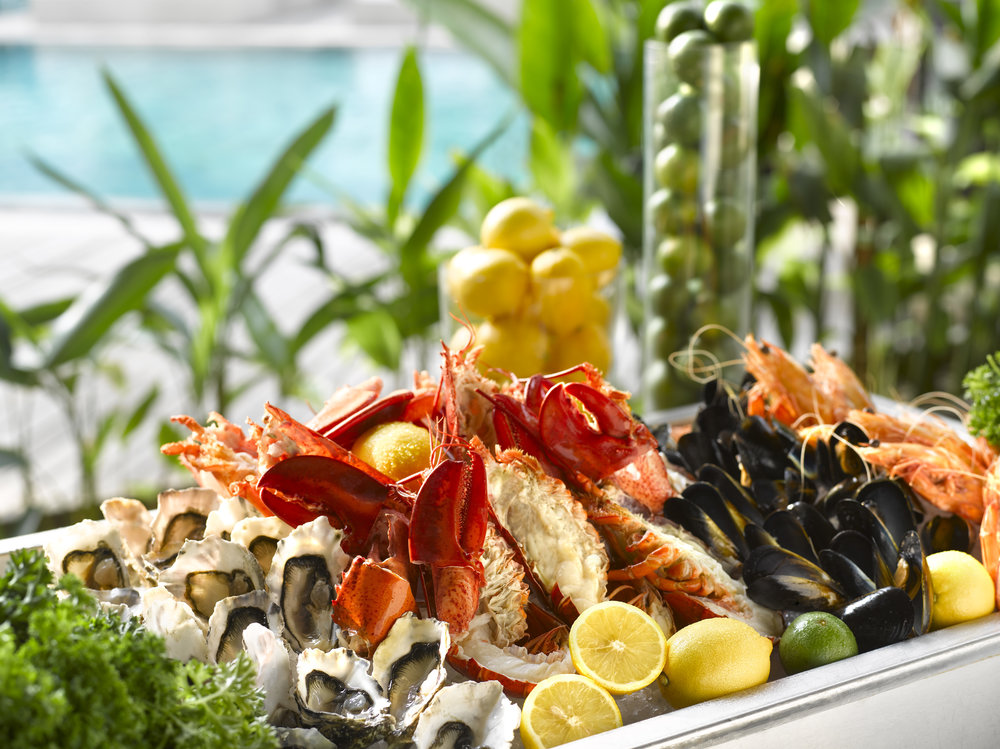 Oasis Sustainable Oysters, Tiger Prawns, Maine Lobsters and Black Mussels | Photo Credit: Grand Hyatt Singapore