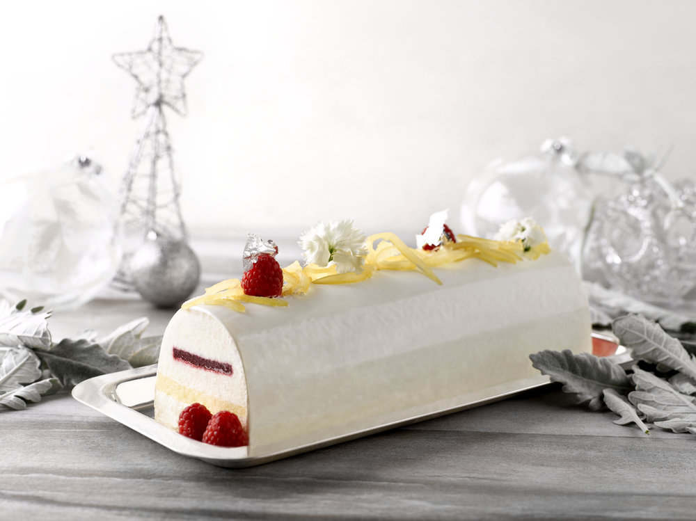 Lemon Raspberry Logcake | Photo Credit: Grand Hyatt Singapore