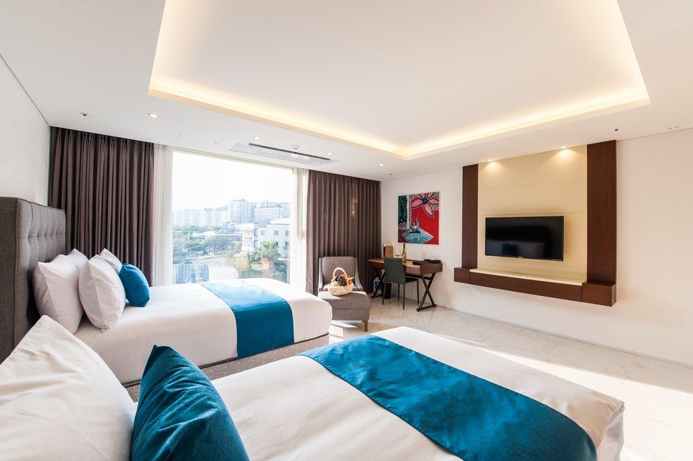 Bedroom | Photo Credit:Ramada Jeju Seogwipo