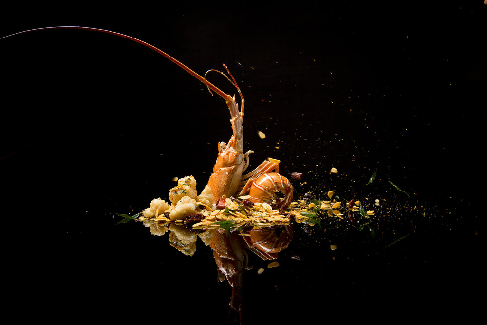 'Bi Feng Tang' Golden Half Lobster with Spiced Almond Flakes | Photo Credit: Conrad Centennial Singapore