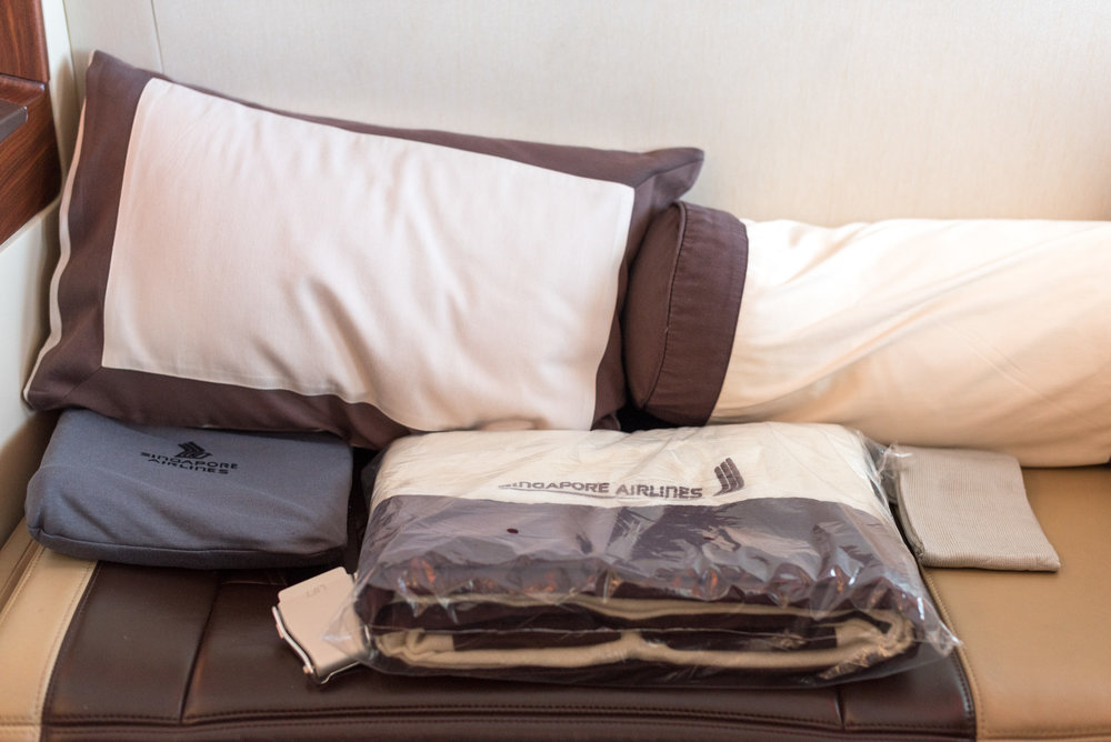 Blanket Singapore Airlines Suites A380-800 - AKL to SIN