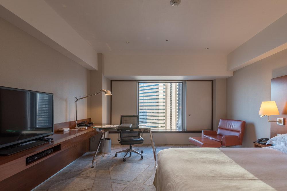 Bedroom  King Executive Room - Hilton Tokyo (Shinjuku)
