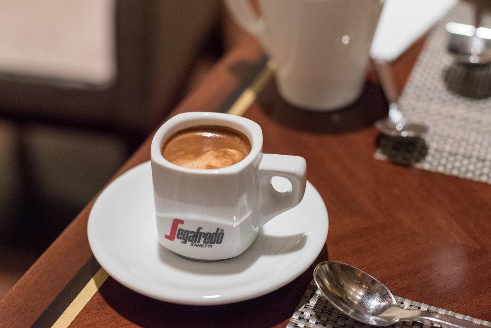 Coffee at Marble Lounge  King Executive Room - Hilton Tokyo (Shinjuku)