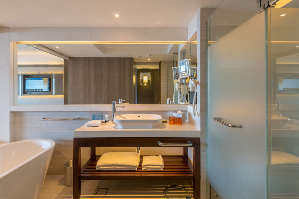 Bathroom  Harbour Studio - Pan Pacific Singapore