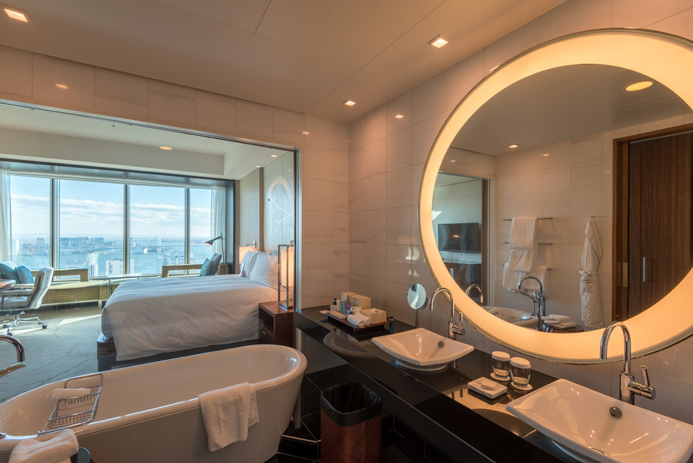 Bathroom King Executive Room Bay View - Conrad Tokyo