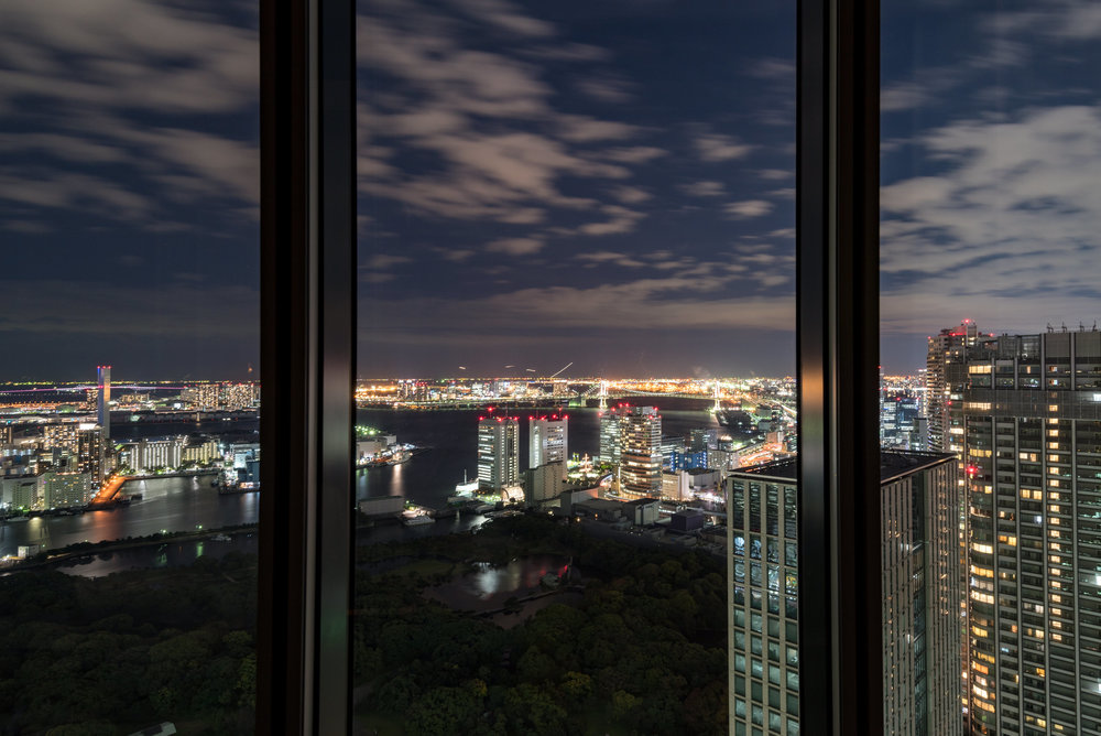 Night View from the Room King Executive Room Bay View - Conrad Tokyo