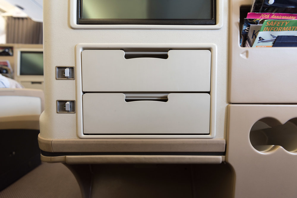 Storage Space Singapore Airlines Business Class A330-300 - SIN to DPS