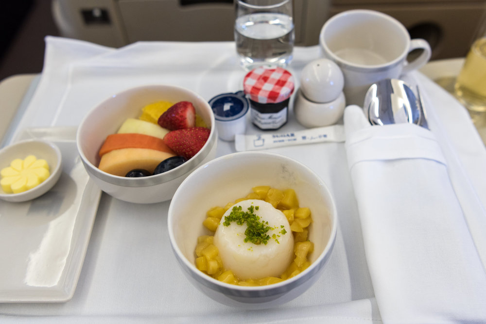 Chestnut Hoon Kueh and Fresh Fruits - Brunch Service  Singapore Airlines Business Class A330-300 - SIN to DPS