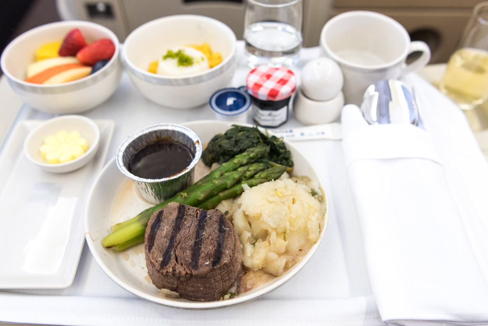 U.S. Grilled Beef Fillet (Book the Cook) - Brunch Service  Singapore Airlines Business Class A330-300 - SIN to DPS