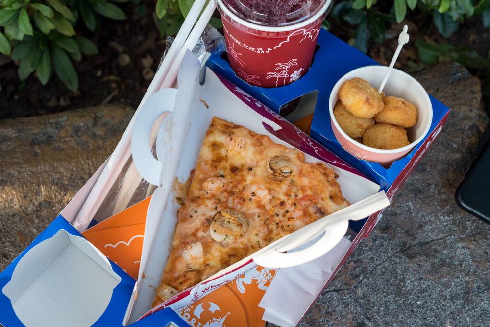 Pizza  Tokyo Disneyland