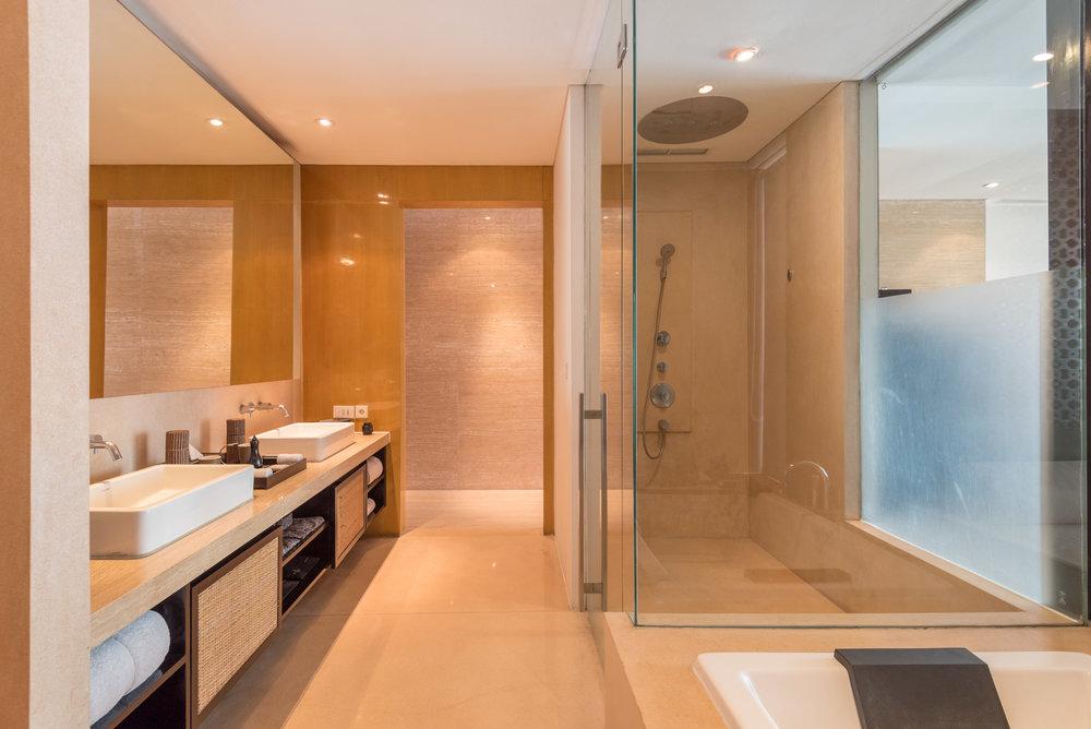 Bathroom Anantara Ocean Suite - Anantara Seminyak Bali Resort