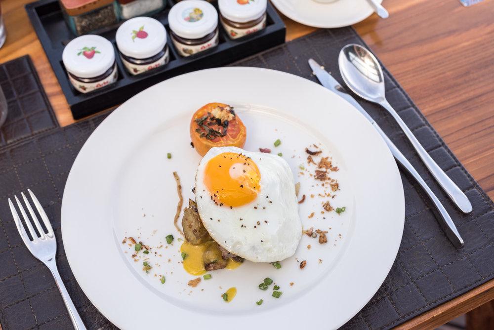 Steak and Eggs - Breakfast Buffet MoonLite Kitchen and Bar - Anantara Seminyak Bali Resort