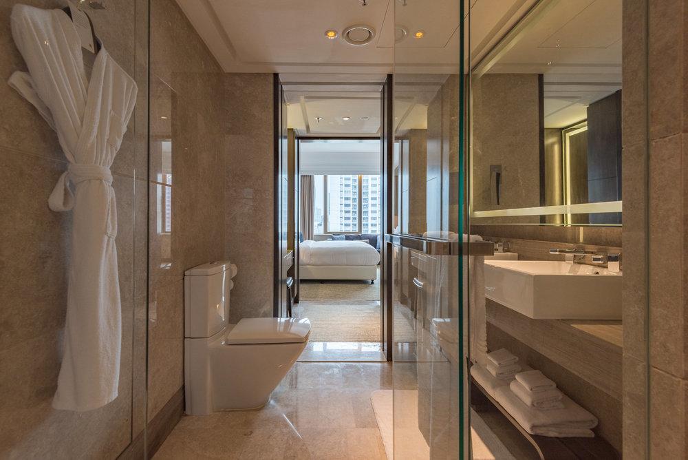 Bathroom  Studio Room - Singapore Marriott Tang Plaza Hotel