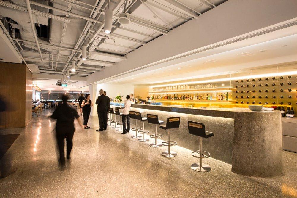 Qantas Singapore Lounge 2.jpg