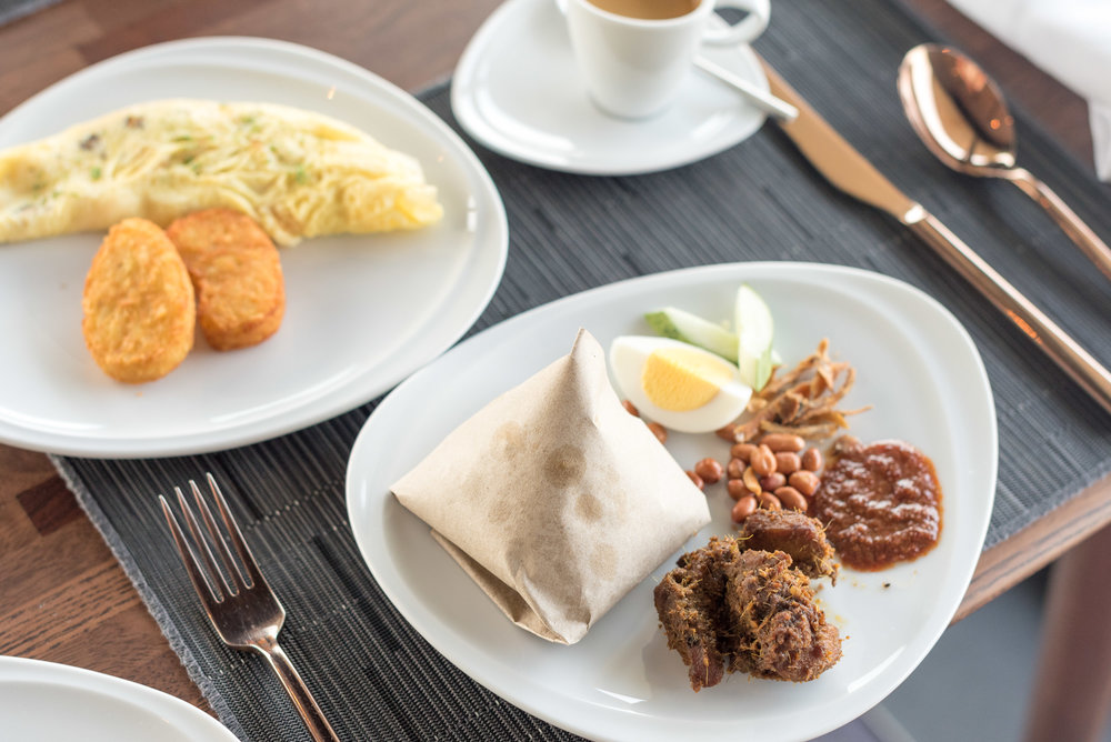 Breakfast  Executive Lounge - G Hotel Kelawai