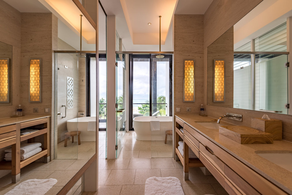 Bathroom Regency Suite - Hyatt Regency Danang Resort and Spa