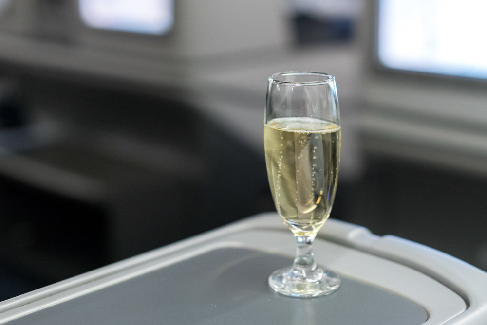Champagne  Air China CA969 Business - PEK to SIN