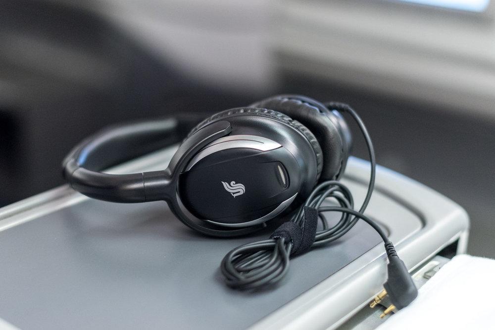 Headphones  Air China CA969 Business - PEK to SIN