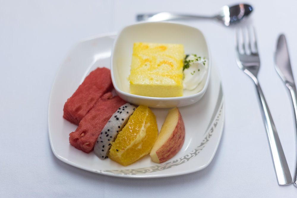 Fruits and Dessert - Dinner Service  Air China CA969 Business - PEK to SIN
