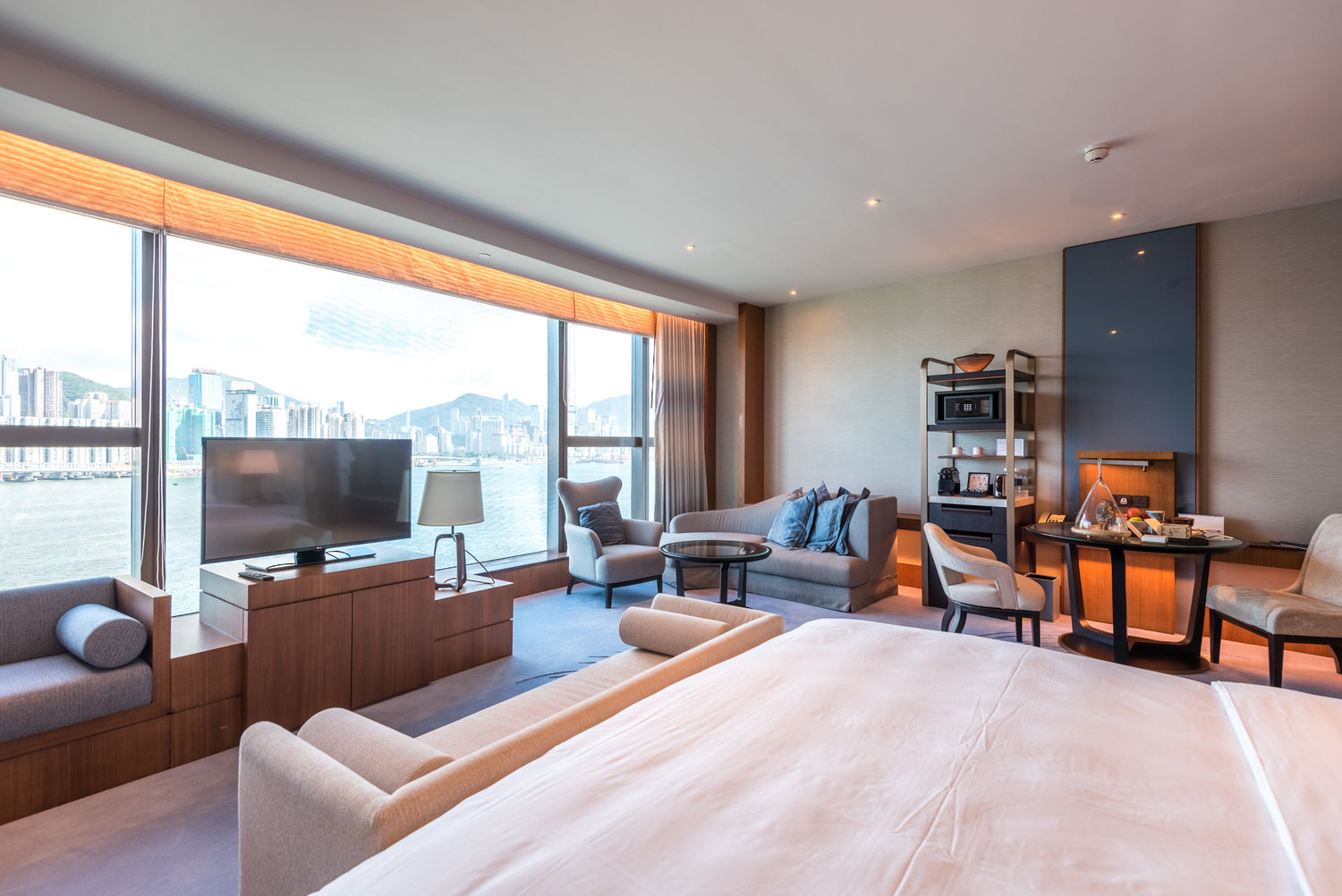 Hotel Review Kerry Hotel Hong Kong Club Premier Sea View Room Views Of Victoria Harbour The Shutterwhale