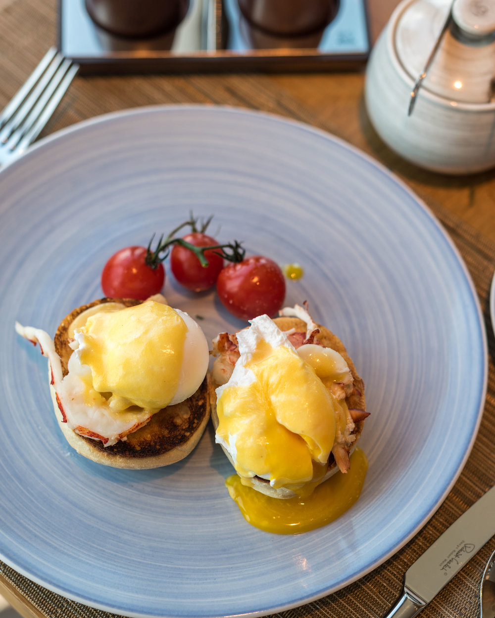 Lobster Eggs Benedict - Breakfast  The Club - Kerry Hotel, Hong Kong