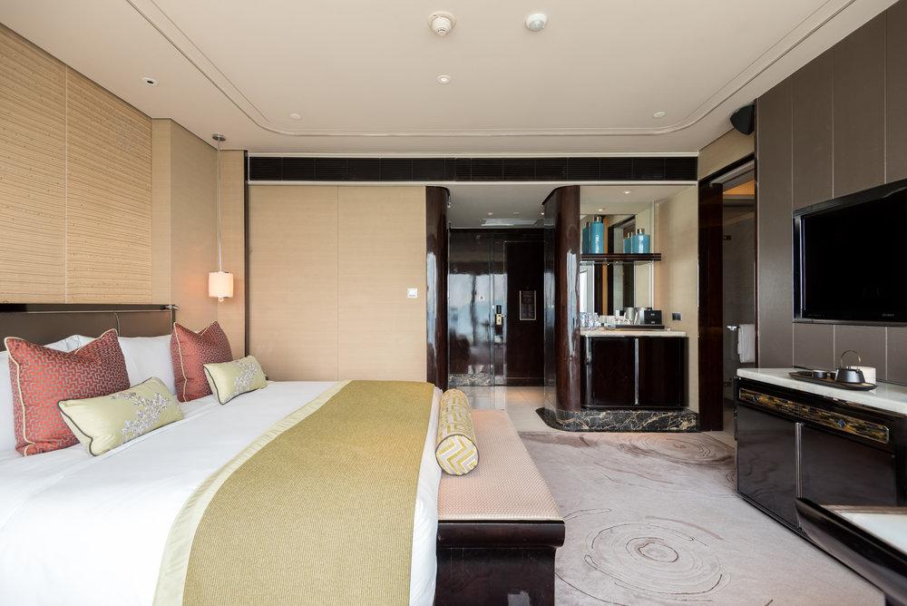 Bedroom  Deluxe Room -The St. Regis Shenzhen