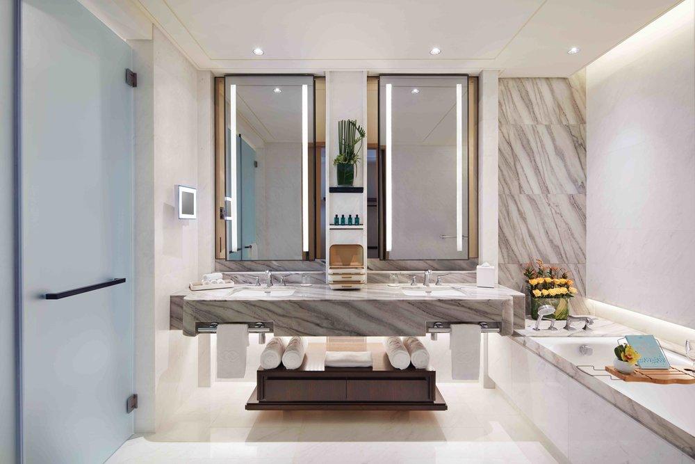 Prestige Suite Bathroom | Photo Credit:Sofitel Singapore City Centre