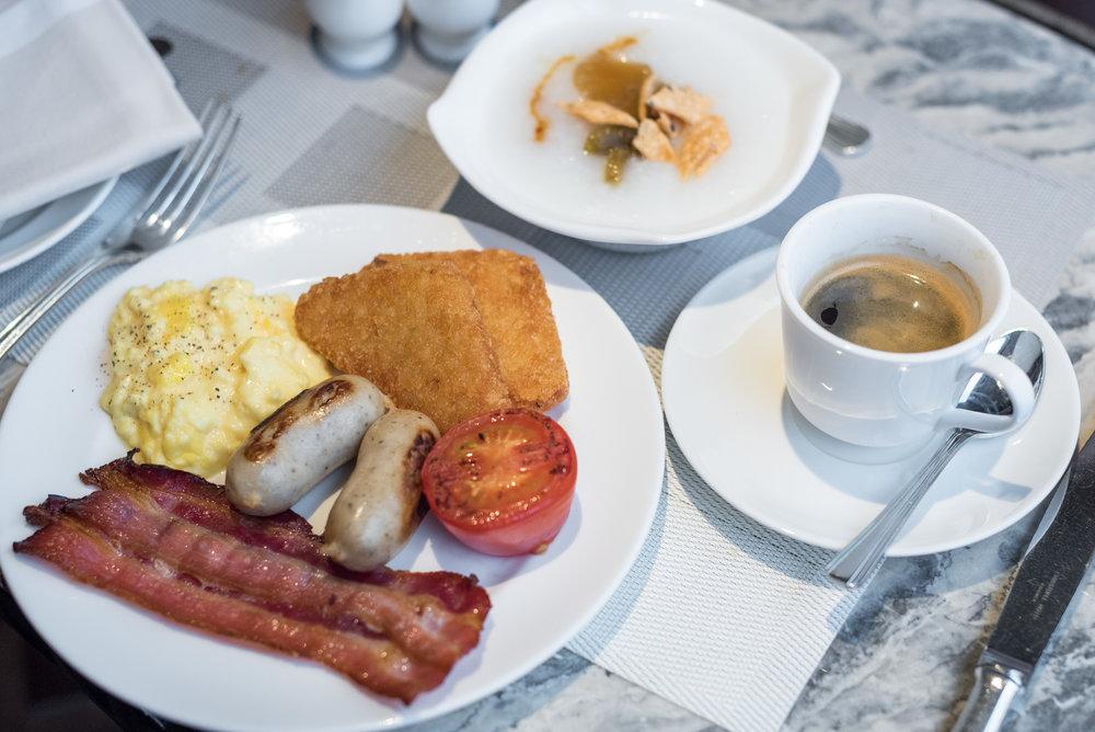 Breakfast Executive Lounge - Conrad Hong Kong