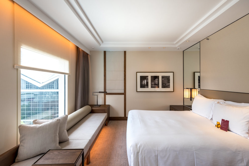 Bedroom  Deluxe Room (Refurbished) - Conrad Centennial Singapore