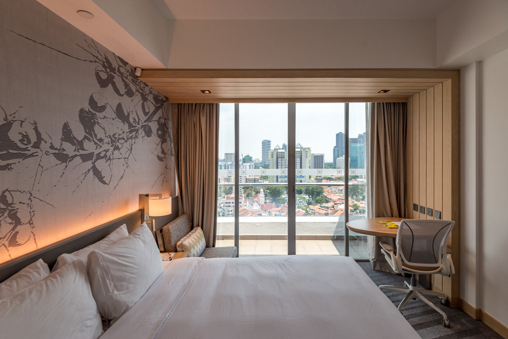 Bedroom King Deluxe Room with Balcony - Hilton Garden Inn Singapore Serangoon