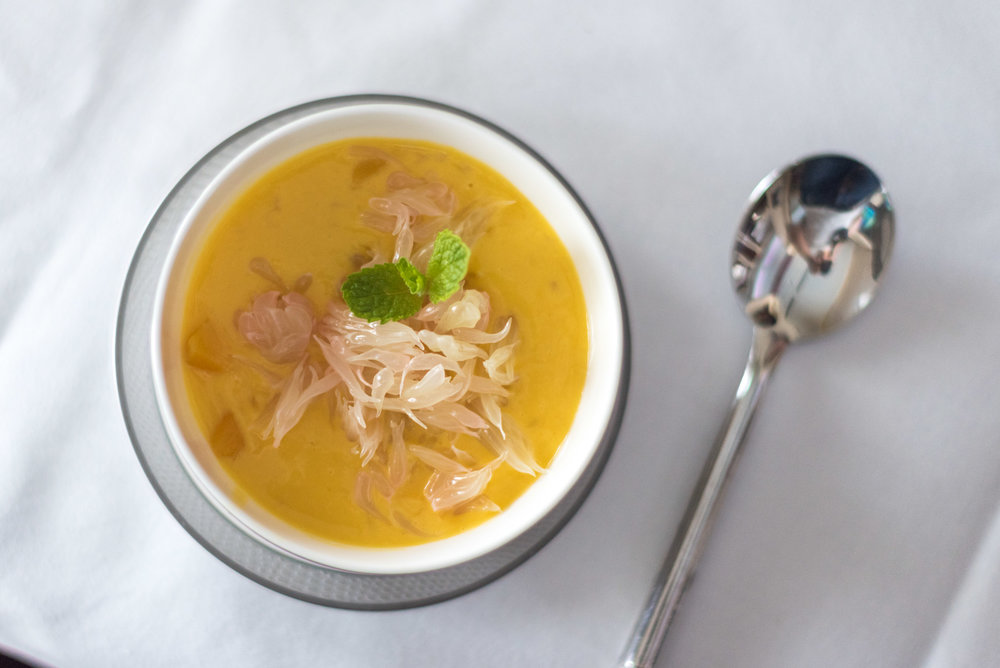 Chilled Sago Mango Soup with Pomelo - Brunch Service Singapore Airlines Suites SQ802 A380-800 - SIN to PEK