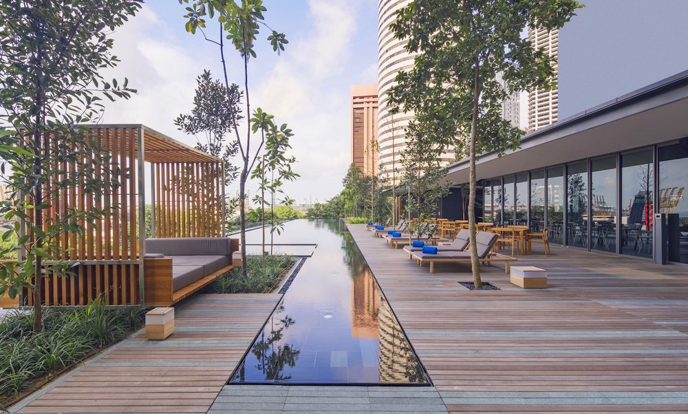 Outdoor Infinity Pool | Photo Credit: Oakwood Premier OUE Singapore