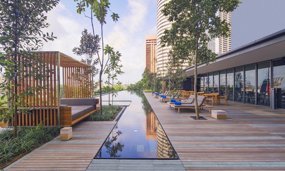 Outdoor Infinity Pool | Photo Credit:Oakwood Premier OUE Singapore