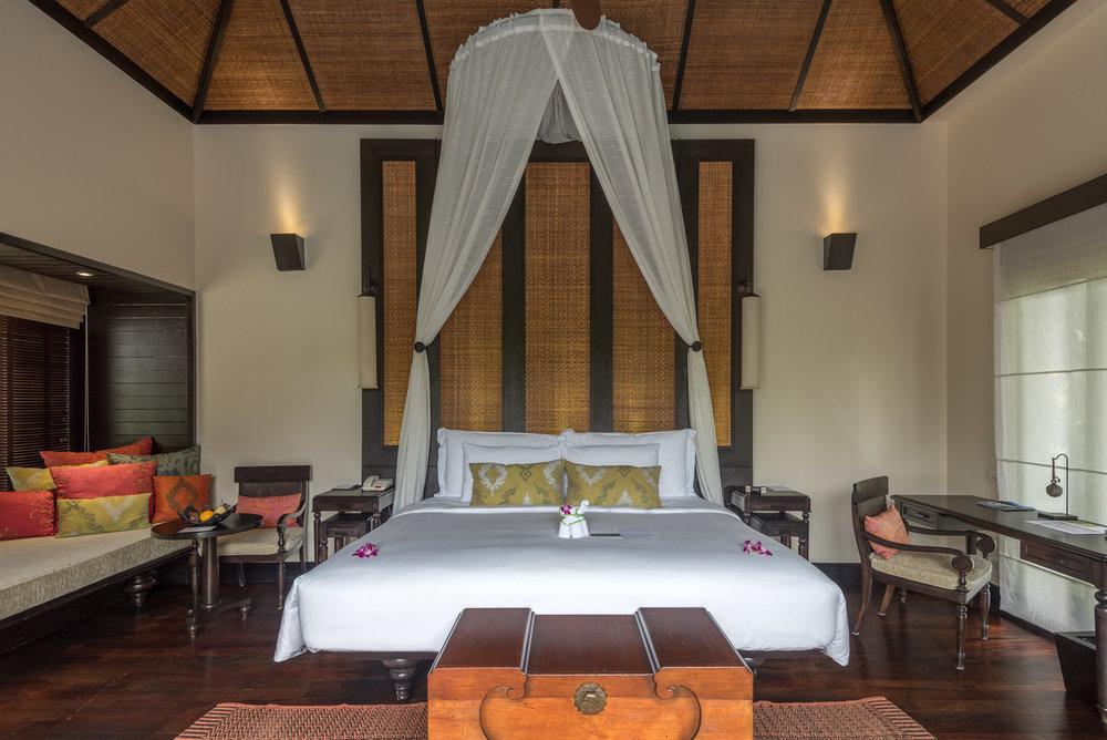 King-size Bed  Lagoon Pool Villa -Anantara Mai Khao Phuket Villas