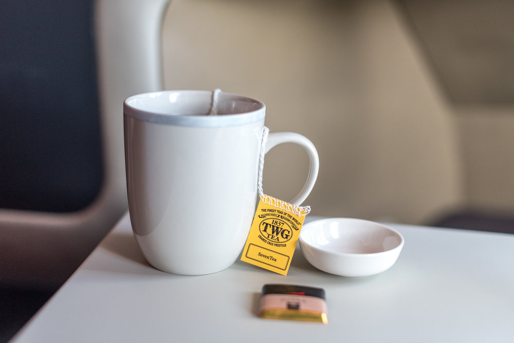 SevenTea by TWG and Pralines - Lunch Service  Singapore Airlines Business Class SQ286 A380-800 - AKL to SIN