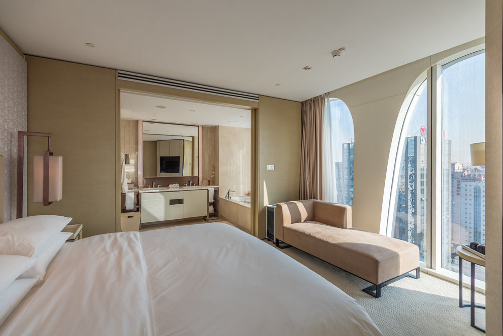 Bedroom  Executive Suite - Conrad Beijing