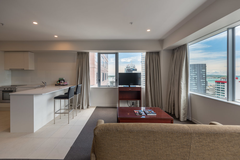 Living Room  King Residence Suite - Rydges Auckland